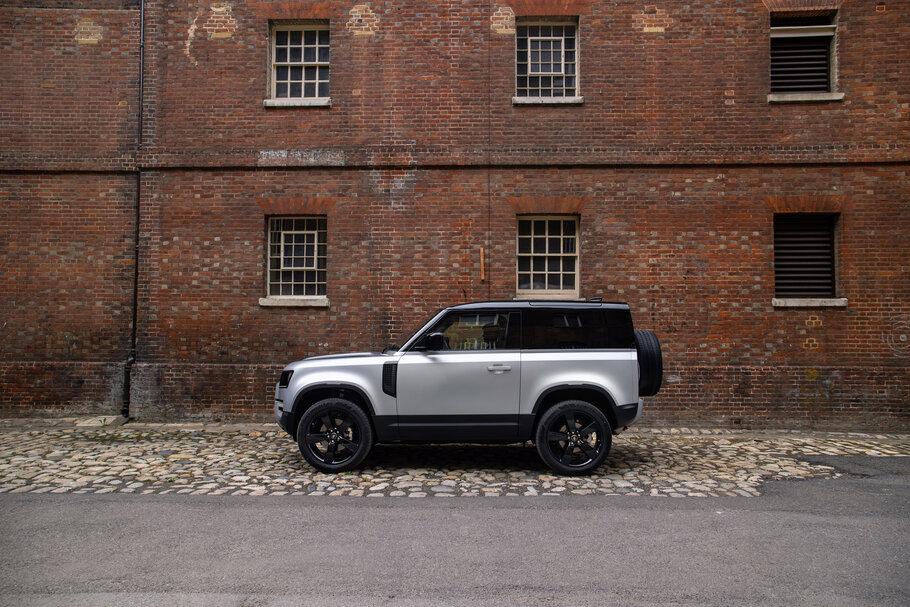 2021 Land Rover Defender1