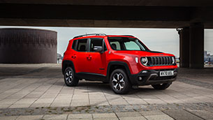 renegade 4xe: the jeep take on the plug-in hybrid