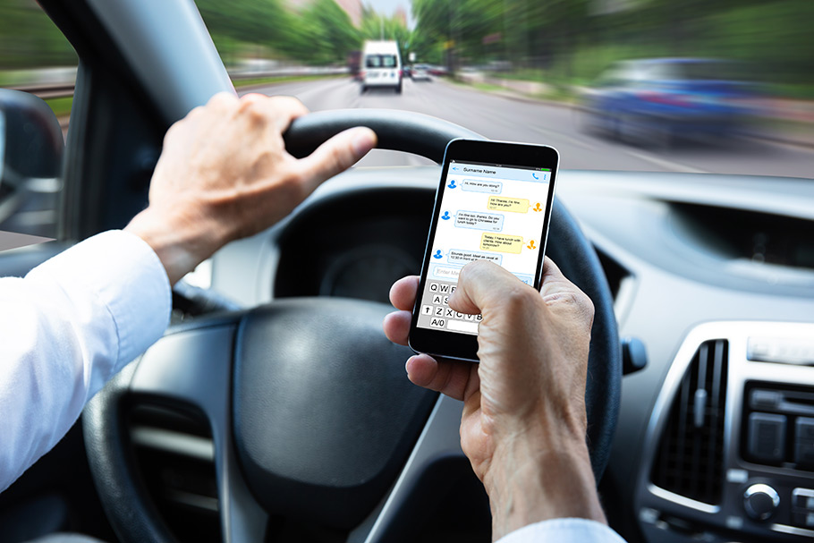 3-reasons-why-you-should-not-be-texting-while-driving