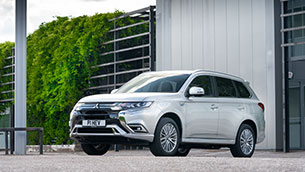 Mitsubishi Outlander PHEV still the UK's favorite plug-in hybrid SUV in 2020