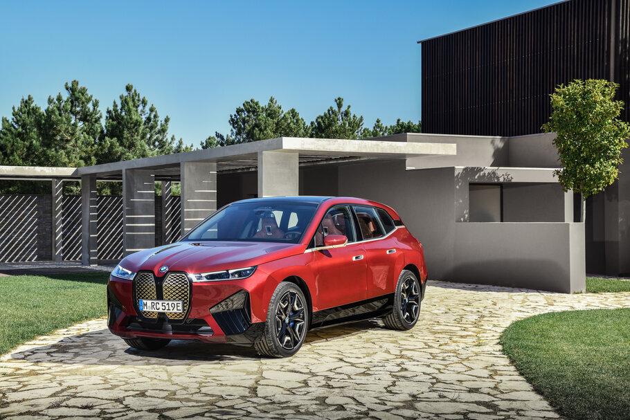 2021  BMW iX1