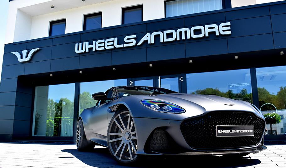 2019 Aston Martin DBS Superleggera1