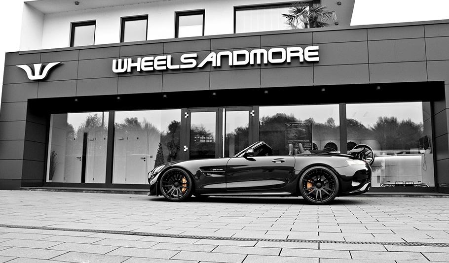 2020 Mercedes AMG GTR Roadster1