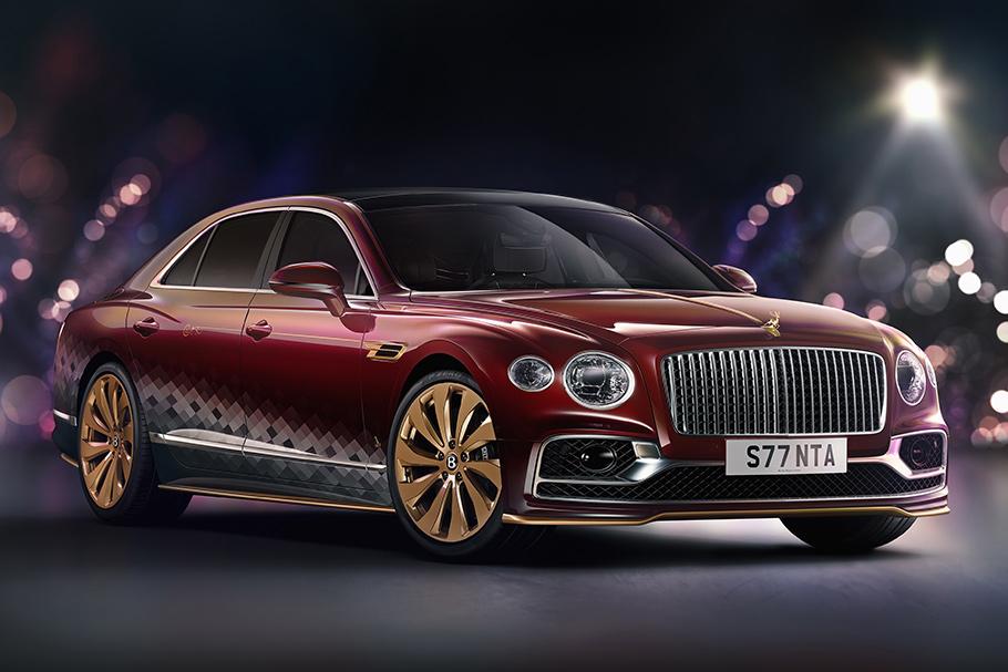 2021 Bentley Santa's Flying Spur1