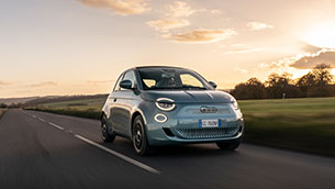 new-all-electric-fiat-500-named-drivingelectric's-car-of-the-year