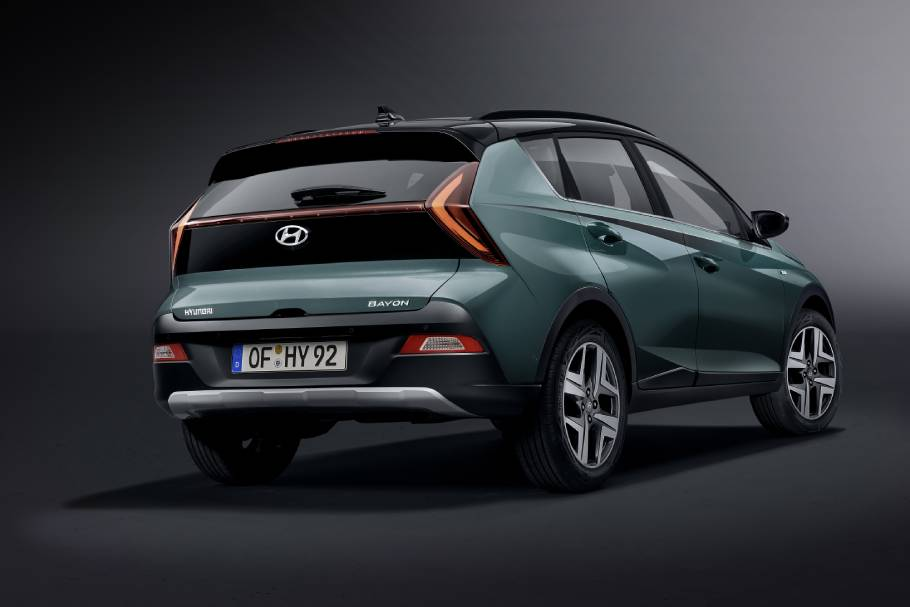2022-Hyundai-BAYON-Rear