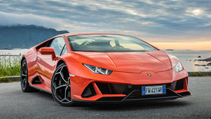 Lambo team enhances the connectivity possibilities of the Huracan lineup