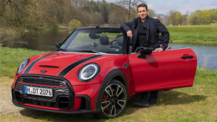 MINI presents the variants of the new Convertible lineup