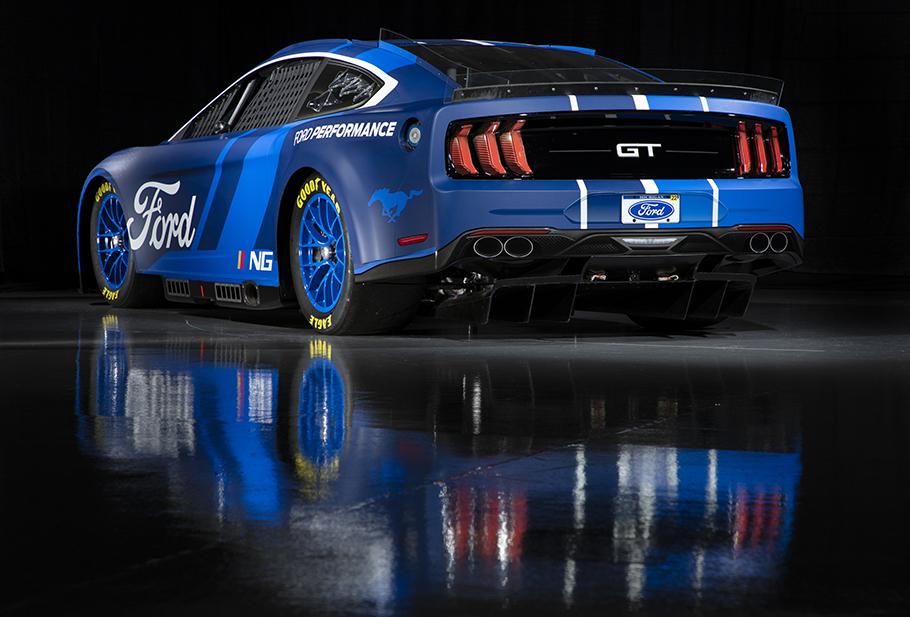 http://www.automobilesreview.com/uploads/2021/05/2022-Ford-NASCAR-Mustang-BF.jpg