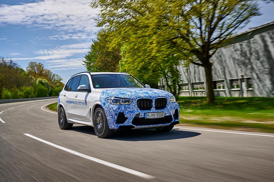 2022 BMW i Hydrogen NEXT