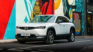 mazda-mx-30-is-awarded-best-electric-compact-suv-at-the-2021-diesel-and-eco-car-magazine-awards