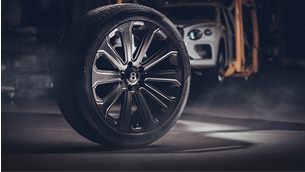 Bentley reveals the first in the world 22-inch carbon-fibre wheels for Bentayga