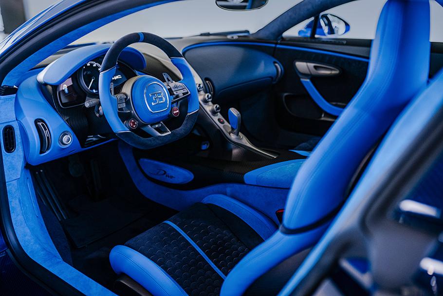 2021-Bugatti-Divo-Interior