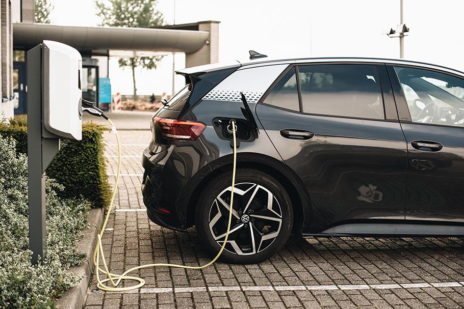 2021-Electric-Car-910