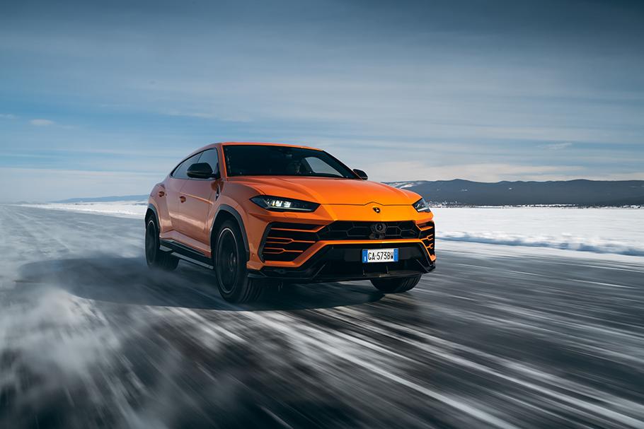 2021-Lamborghini-Urus-910
