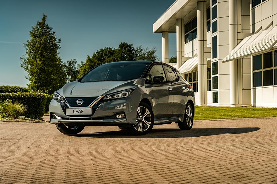 2021-Nissan-Leaf-910