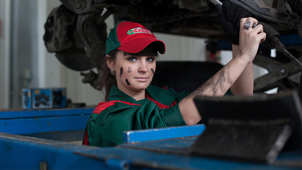 How to Tell if Your Car Needs Oil Change