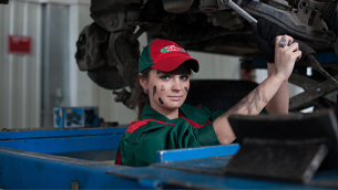 how-to-tell-if-your-car-needs-oil-change