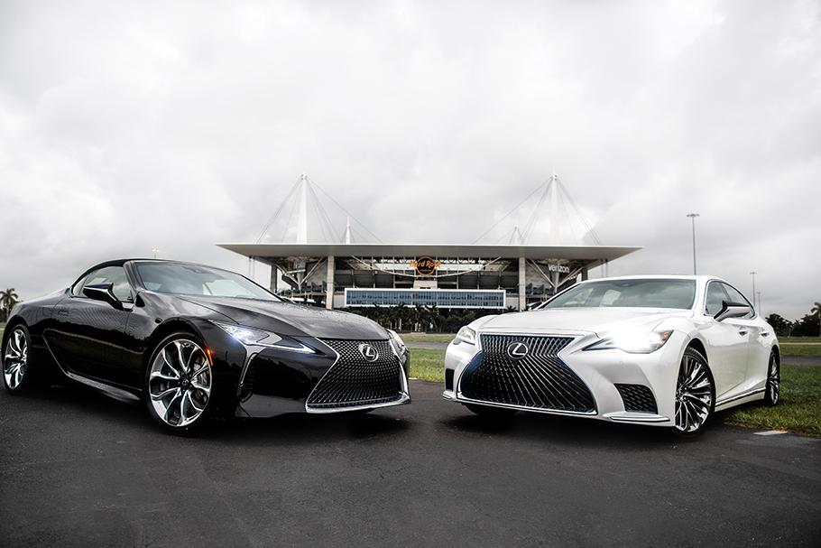 2021 Miami Dolphins Lexus Announcement Photo